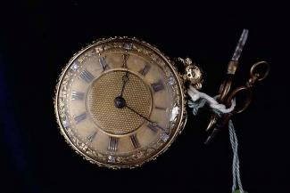 Pocket watch, gold case, with watch key, from William Gregory, clockmaker, Basingstoke, Hampshire, c1828