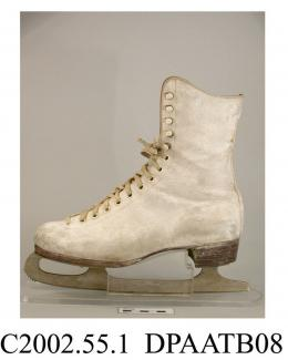 Skating boots, pair, women's, ankle boots, white buckskin, front laced with ten pairs of white eyelets and five pairs of white hooks and white laces over full length tongue, tongue fully lined with skeepskin, lacing extends to the toes, curved tops, lin