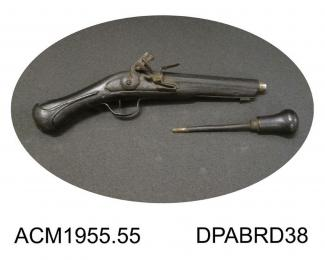 Pistol, conversion of cavalry pistol to smooth bore sporting gun? mid 17th cen
